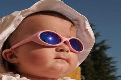 خطر تعرض الأطفال للشمس ..