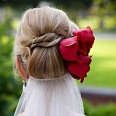تسريحات بسيطة للعروس